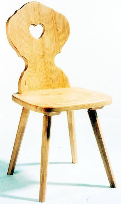 Stuhl mit Herzlrücken